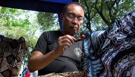 Iwan Tirta, sang Maestro Batik. TEMPO/Dwi Djoko Sulistyo